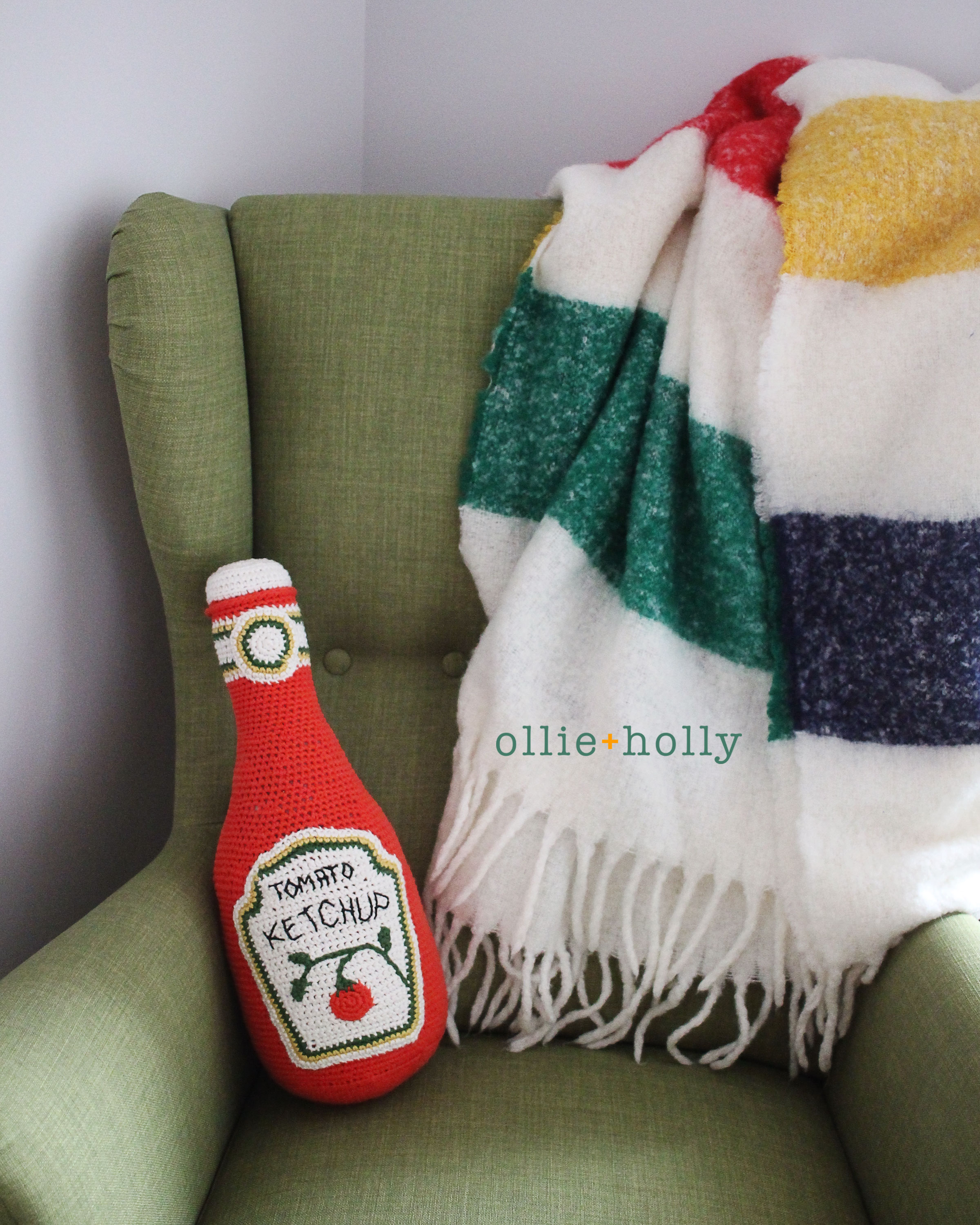 Free Ketchup Bottle Pillow Amigurumi Crochet Pattern Complete