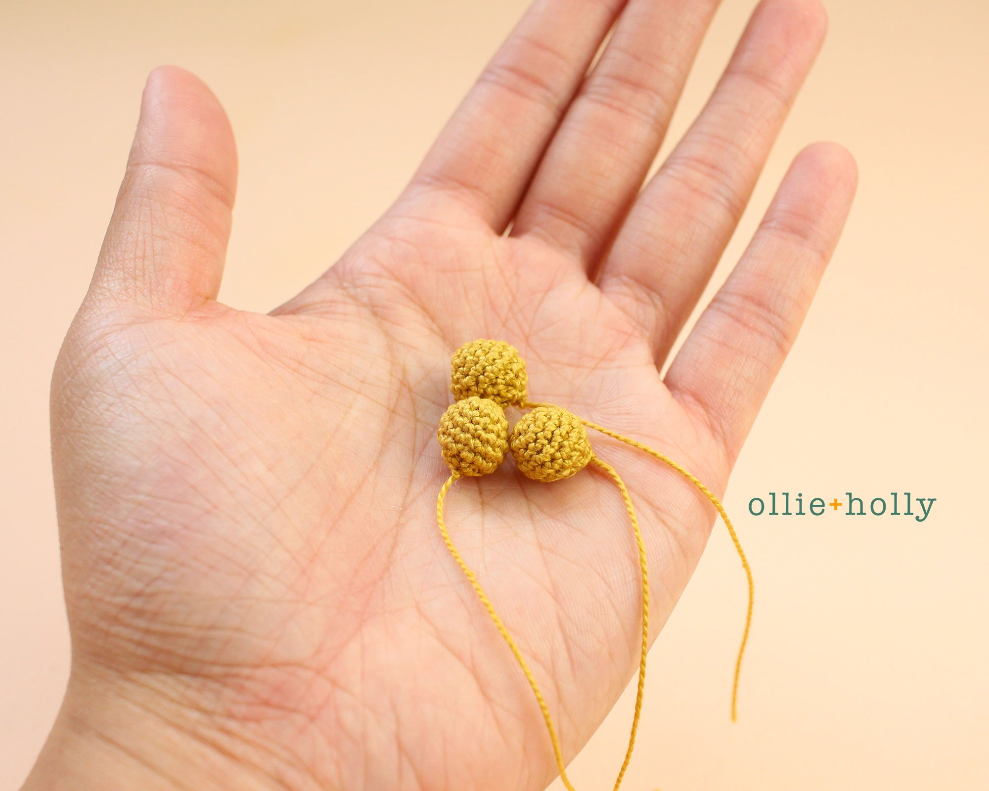 Free Billy Balls Flower Crochet Pattern Step 1