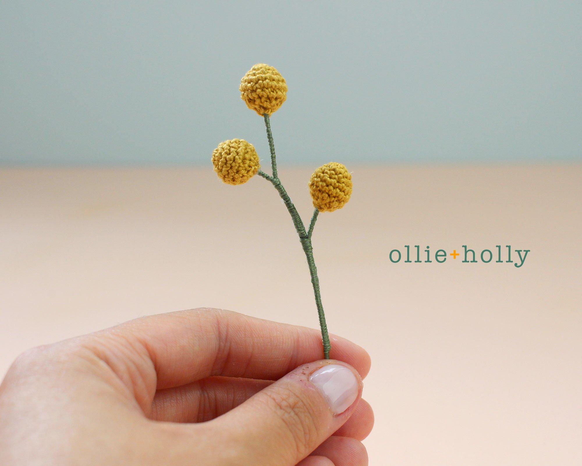 Free Billy Ball Tiny Flower Crochet Pattern