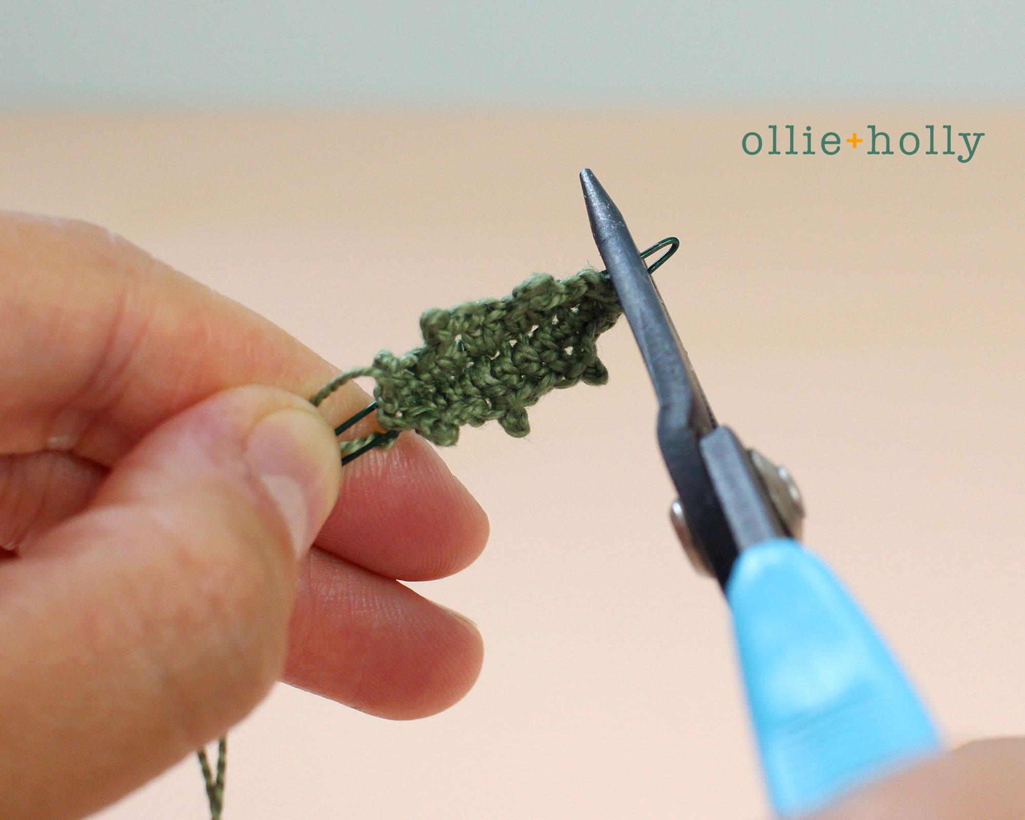 Free Blue Thistle Flowers Crochet Pattern Step 18