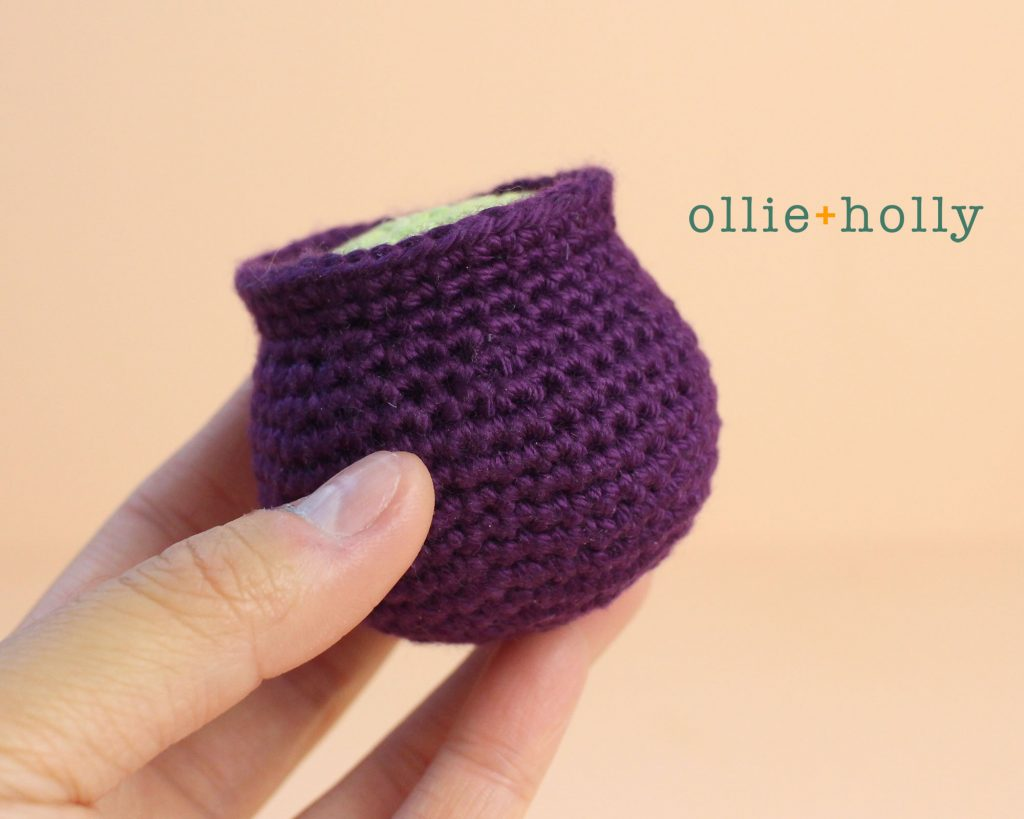 Free Halloween Witch's Cauldron Ornament Amigurumi Crochet Pattern Step 5