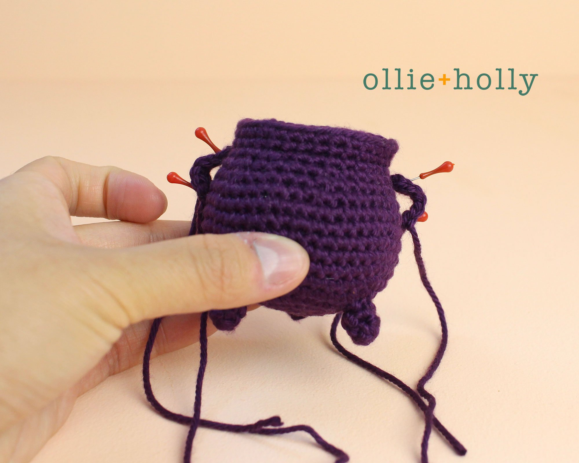 Free Halloween Witch's Cauldron Ornament Amigurumi Crochet Pattern Step 10