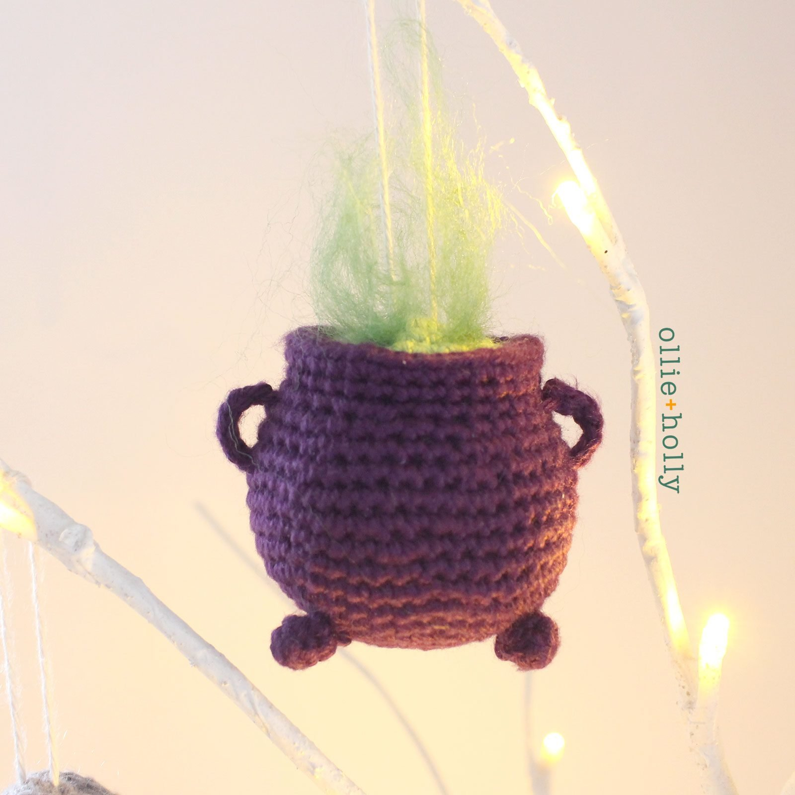 Free Halloween Witch's Cauldron Ornament Amigurumi Crochet Pattern Complete