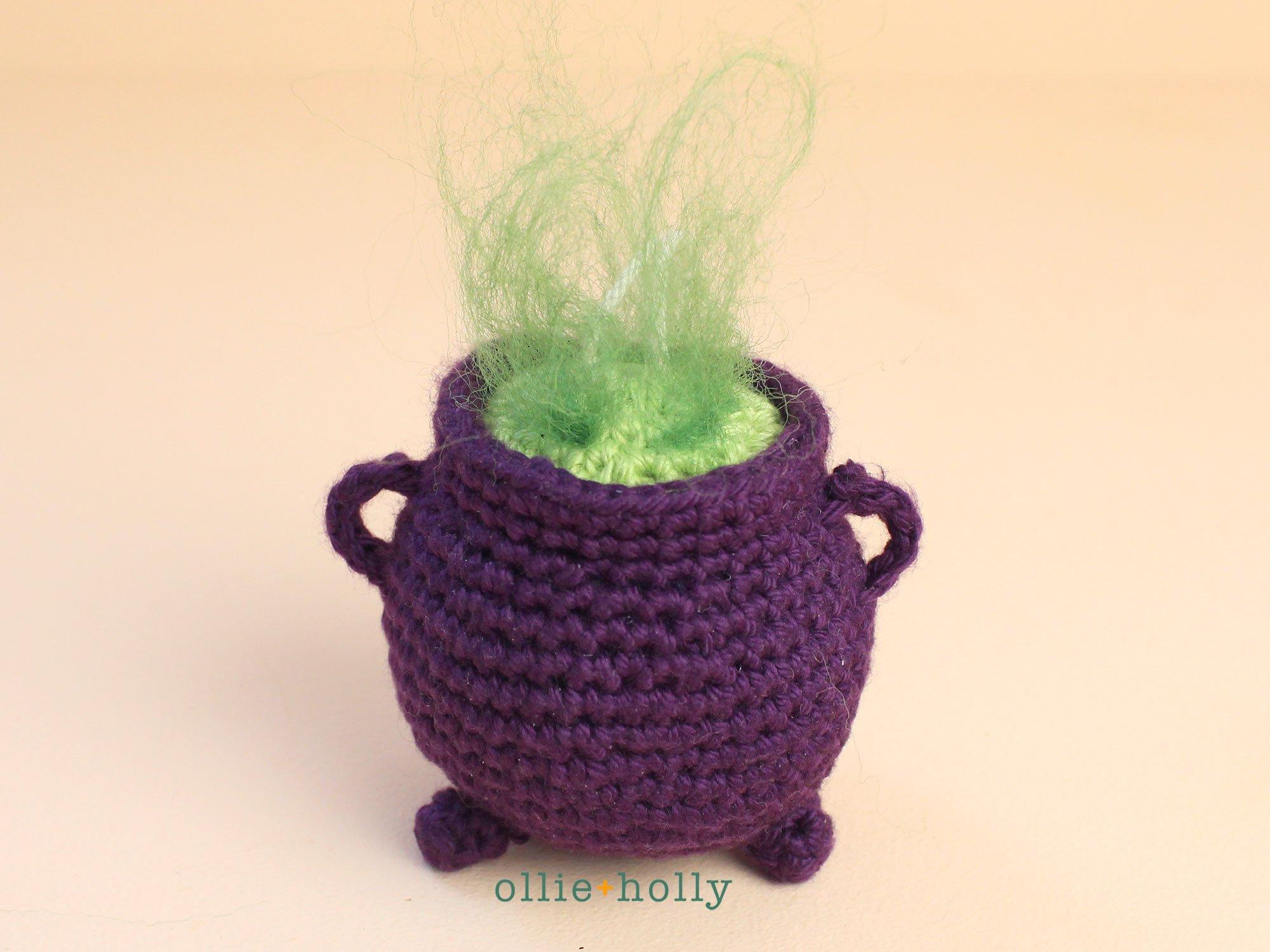 Smallish Witch Free Crochet Pattern | 1500x2000