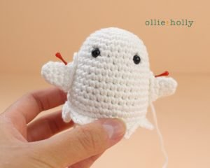 Free Halloween Ghost Amigurumi Ornament Crochet Pattern Step 5