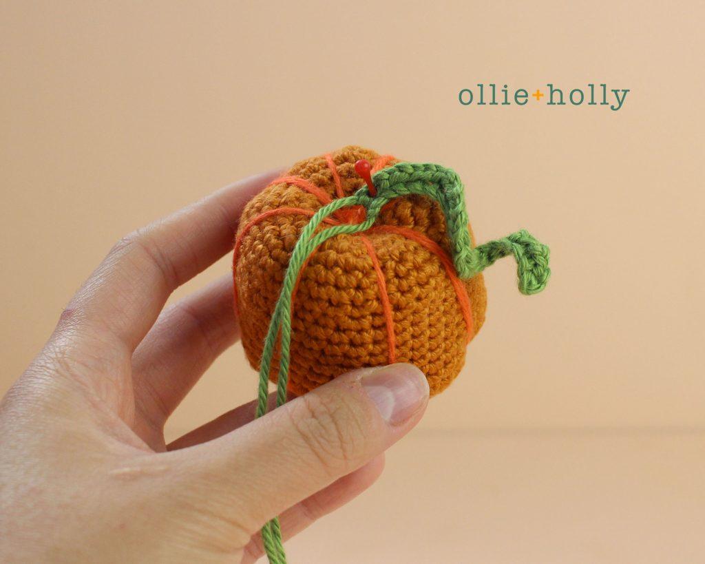 Free Jack-o'-Lantern Pumpkin Ornament Amigurumi Crochet Pattern Step 7