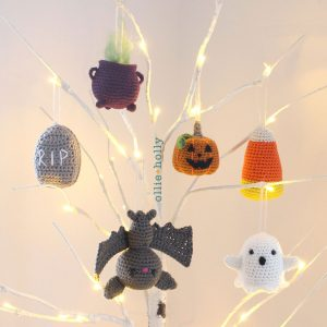 Halloween Amigurumi Crochet Ornaments (Pattern Collection)