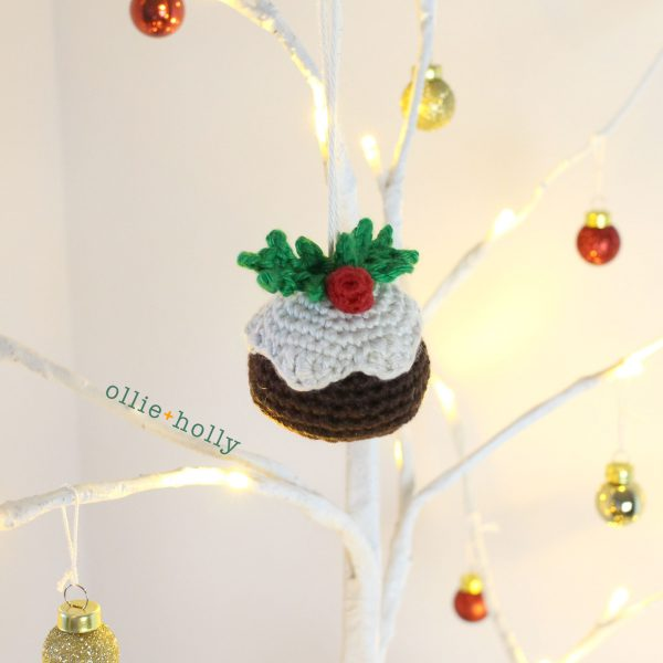 Christmas Pudding Amigurumi Crochet Ornament (Pattern Only)