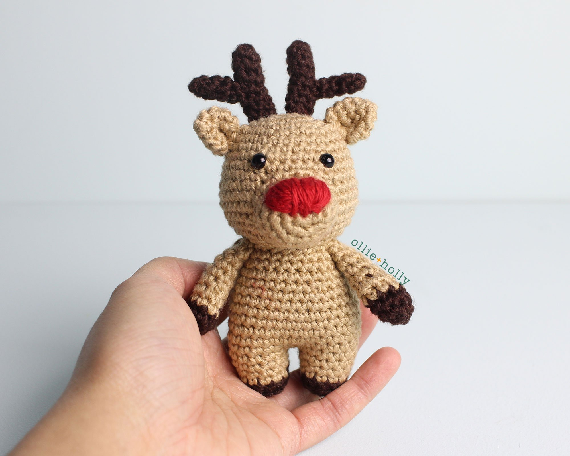 Christmas reindeer amigurumi pattern | Amiguroom Toys | 1600x2000
