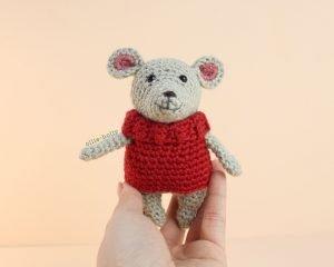 The Rescuers Bernard Mouse Free Amigurumi Crochet Pattern Sweater Step 11