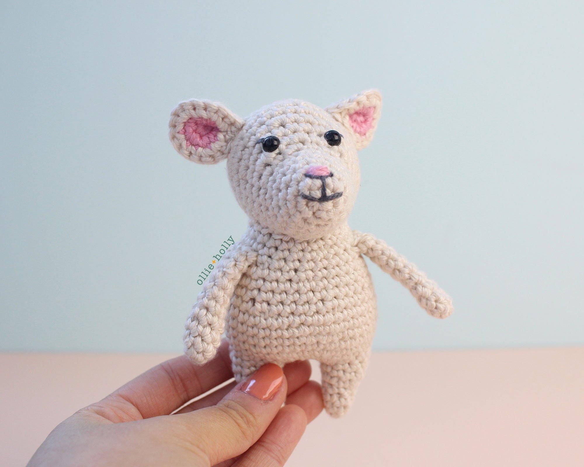 White Mouse Free Amigurumi Crochet Pattern