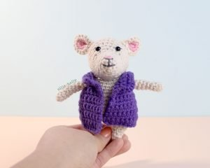 The Rescuers Miss Bianca Mouse Free Amigurumi Crochet Pattern Coat Finished