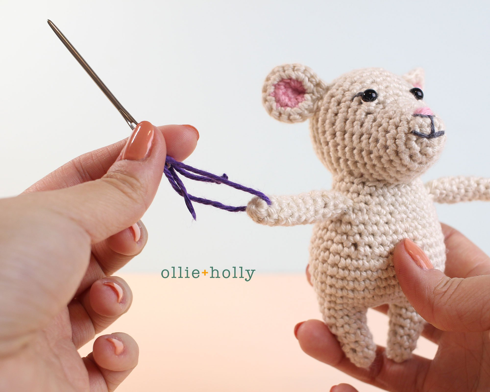 The Rescuers Miss Bianca Mouse Free Amigurumi Crochet Pattern Coat Assembly Step 1