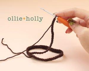 Free Mandalorian Din Djarin Amigurumi Crochet Pattern Belt Step 2
