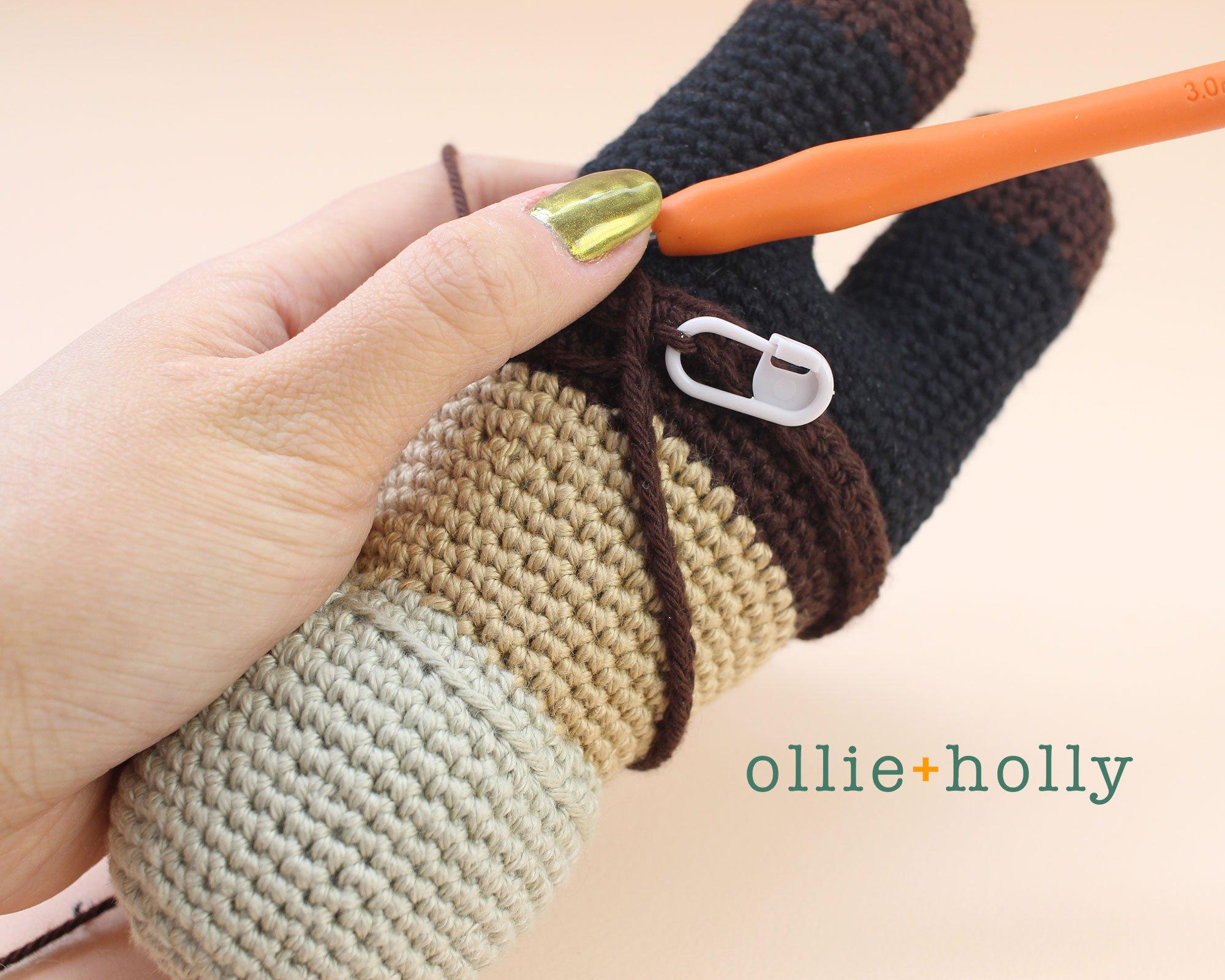 Free Mandalorian Din Djarin Amigurumi Crochet Pattern Belt Step 4