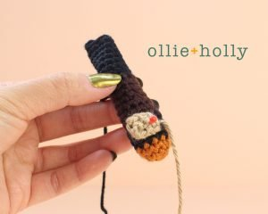 Free Mandalorian Din Djarin Amigurumi Crochet Pattern Assembly Step 1