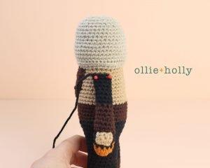 Free Mandalorian Din Djarin Amigurumi Crochet Pattern Assembly Step 4
