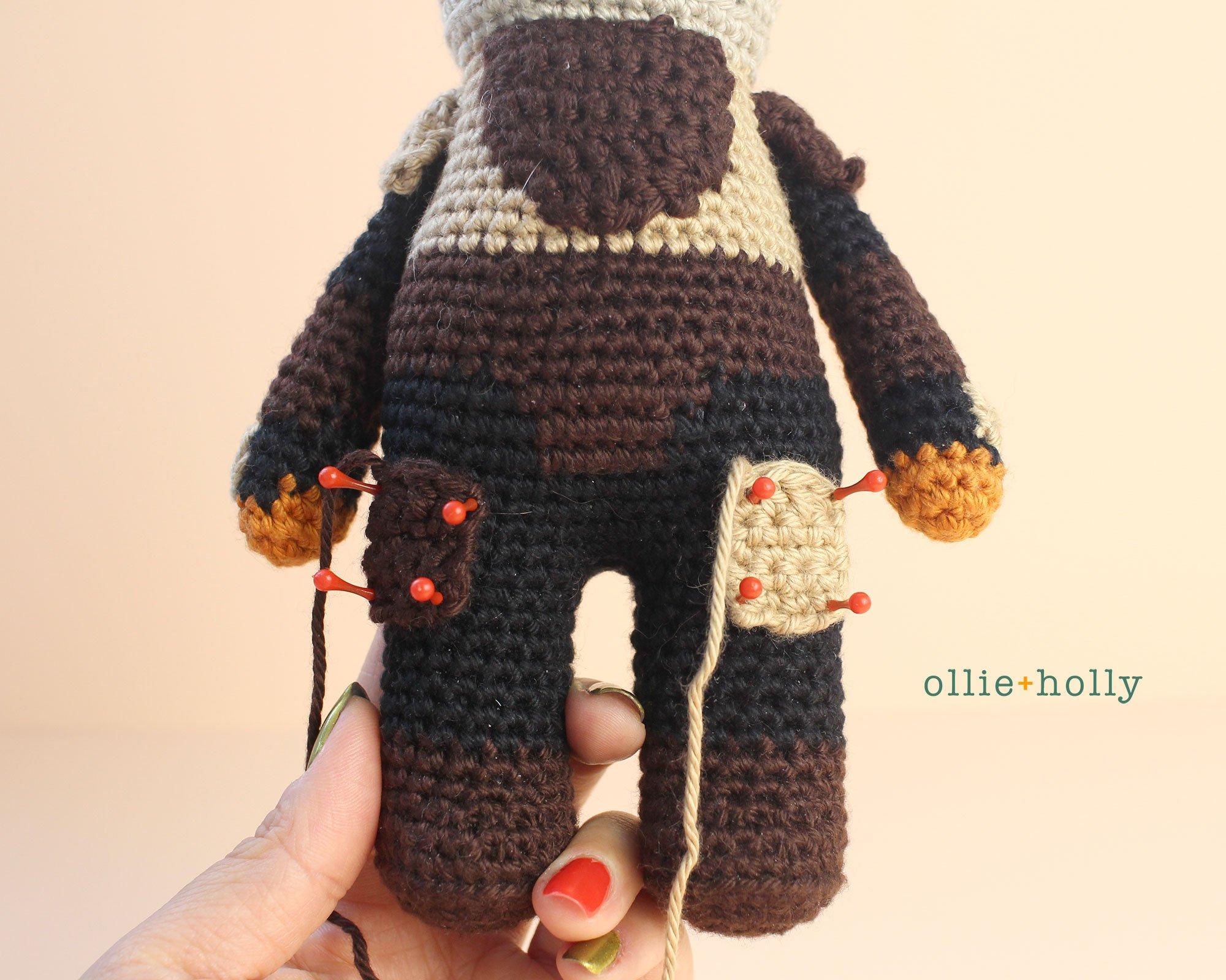 Free Mandalorian Din Djarin Amigurumi Crochet Pattern Assembly Step 6