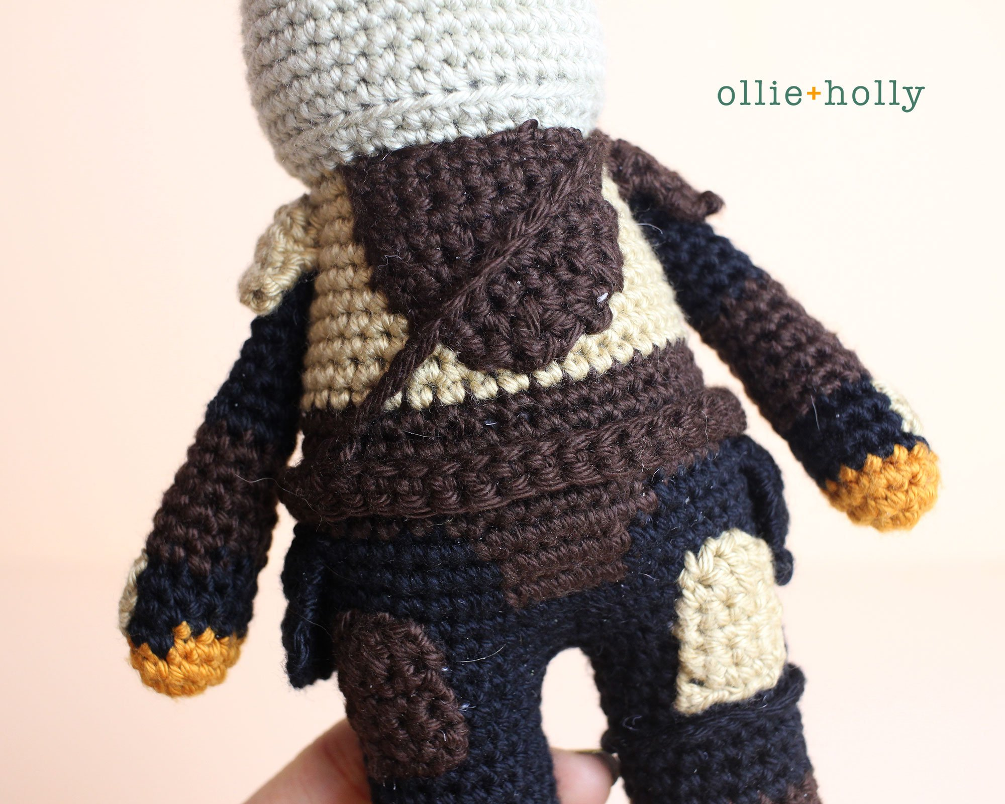 Free Mandalorian Din Djarin Amigurumi Crochet Pattern Assembly Step 9