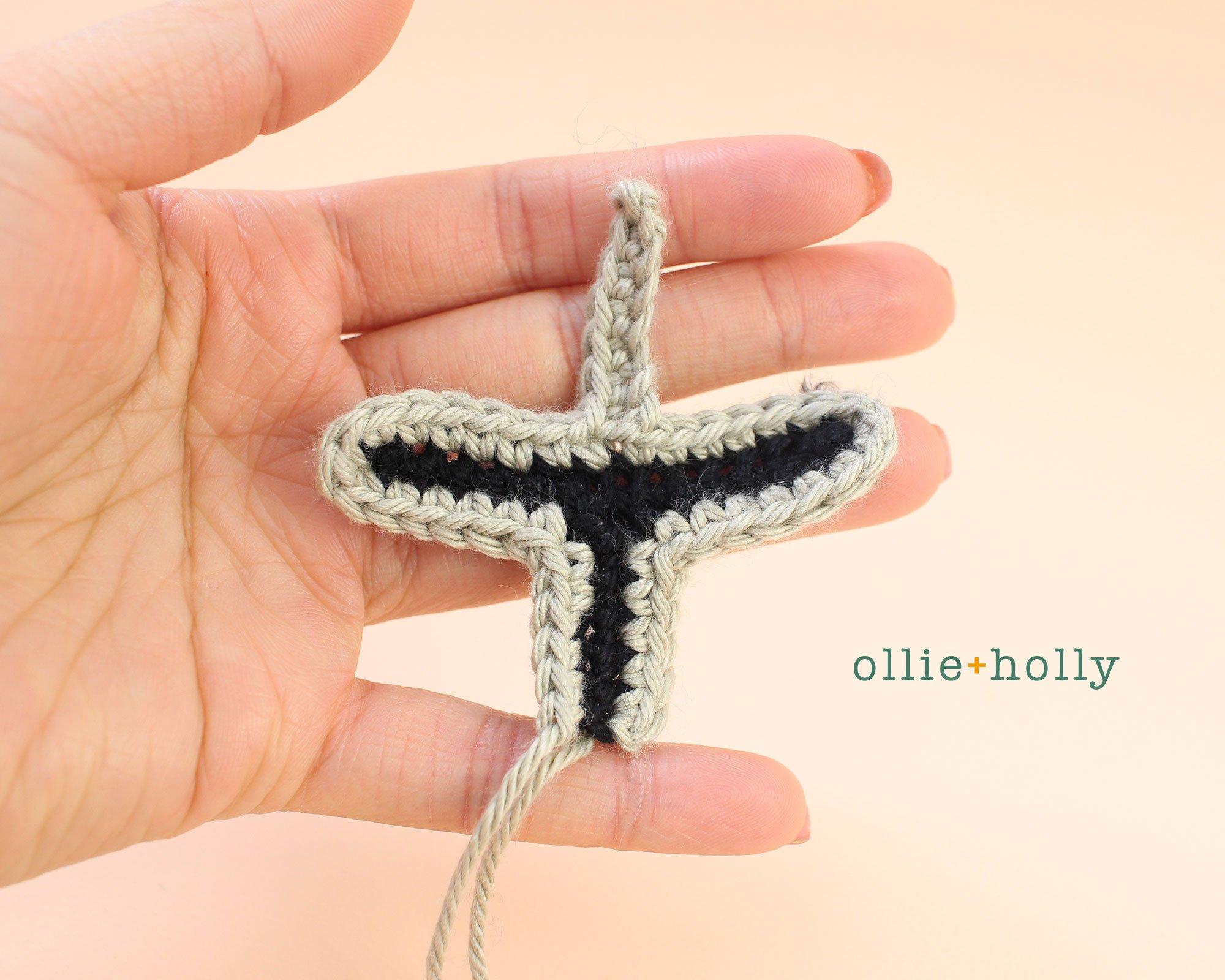 Free Mandalorian Din Djarin Amigurumi Crochet Pattern Helmet Visor Step 10