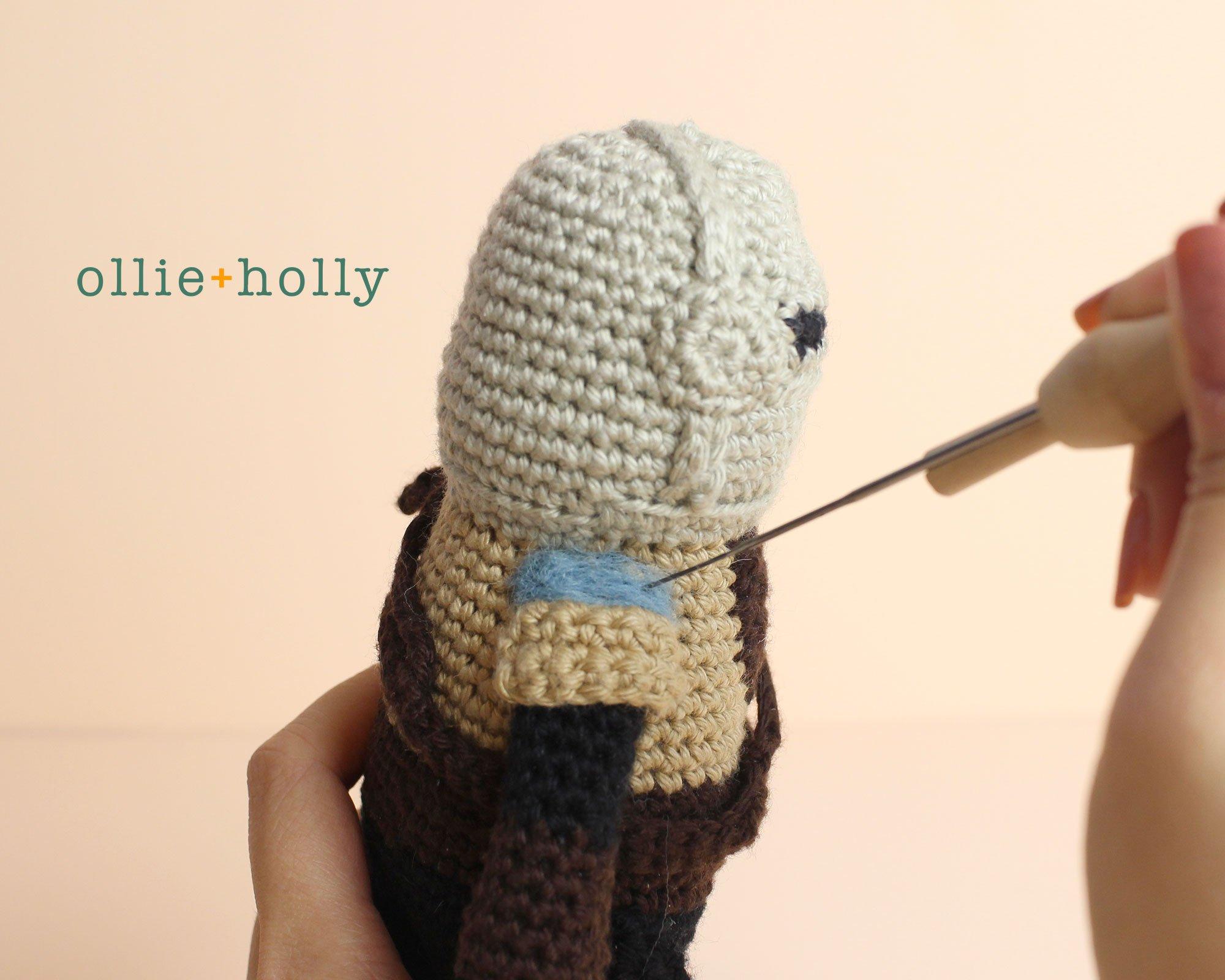 Free Mandalorian Din Djarin Amigurumi Crochet Pattern Assembly Step 14