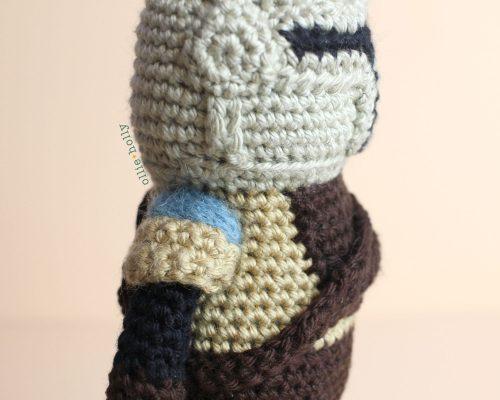 Free Mandalorian Din Djarin Amigurumi Crochet Pattern Assembly Step 15