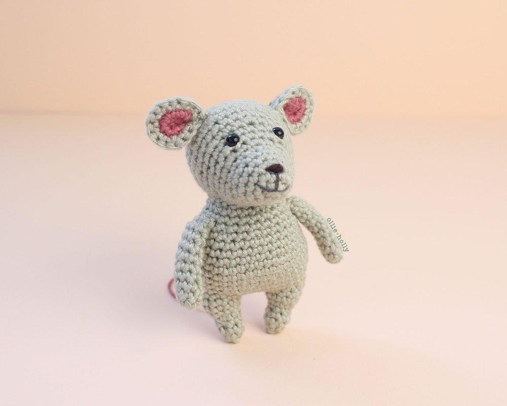 Grey Mouse Free Amigurumi Crochet Pattern
