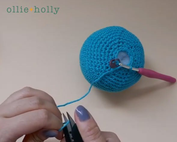 How To Close and Finish Off Amigurumi Hole Step 2