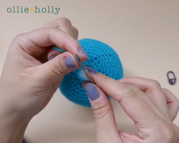 How To Close and Finish Off Amigurumi Hole Step 5