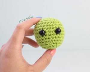 Free Allen The Space Alien Amigurumi Crochet Pattern Head