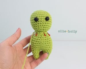 Free Allen The Space Alien Amigurumi Crochet Pattern Step 1
