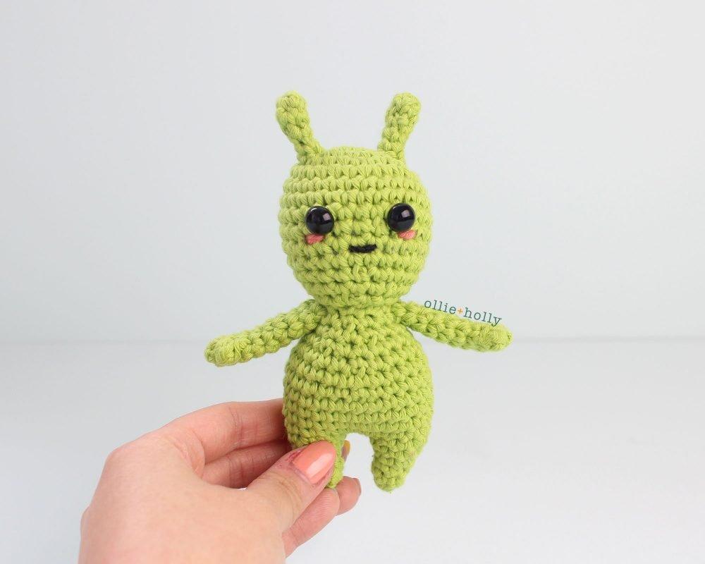 Free Allen The Space Alien Amigurumi Crochet Pattern Finished