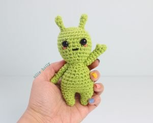 Free Allen The Space Alien Amigurumi Crochet Pattern Step 7