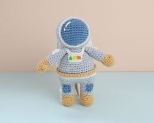 Roberta the Astronaut Amigurumi Crochet Pattern Look 2
