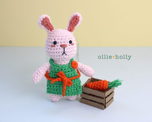 Free Grocery Clerk Bunny Stuffed Animal Amigurumi Crochet Pattern With Crate