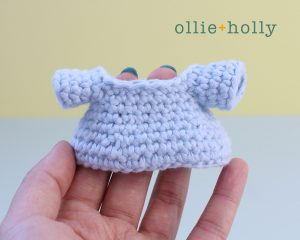 Free Postal Worker Puppy Stuffed Dog Amigurumi Crochet Pattern Step 6