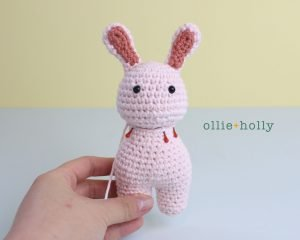 Free Grocery Clerk Bunny Stuffed Animal Amigurumi Crochet Pattern Step 9