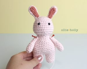Free Grocery Clerk Bunny Stuffed Animal Amigurumi Crochet Pattern Step 10
