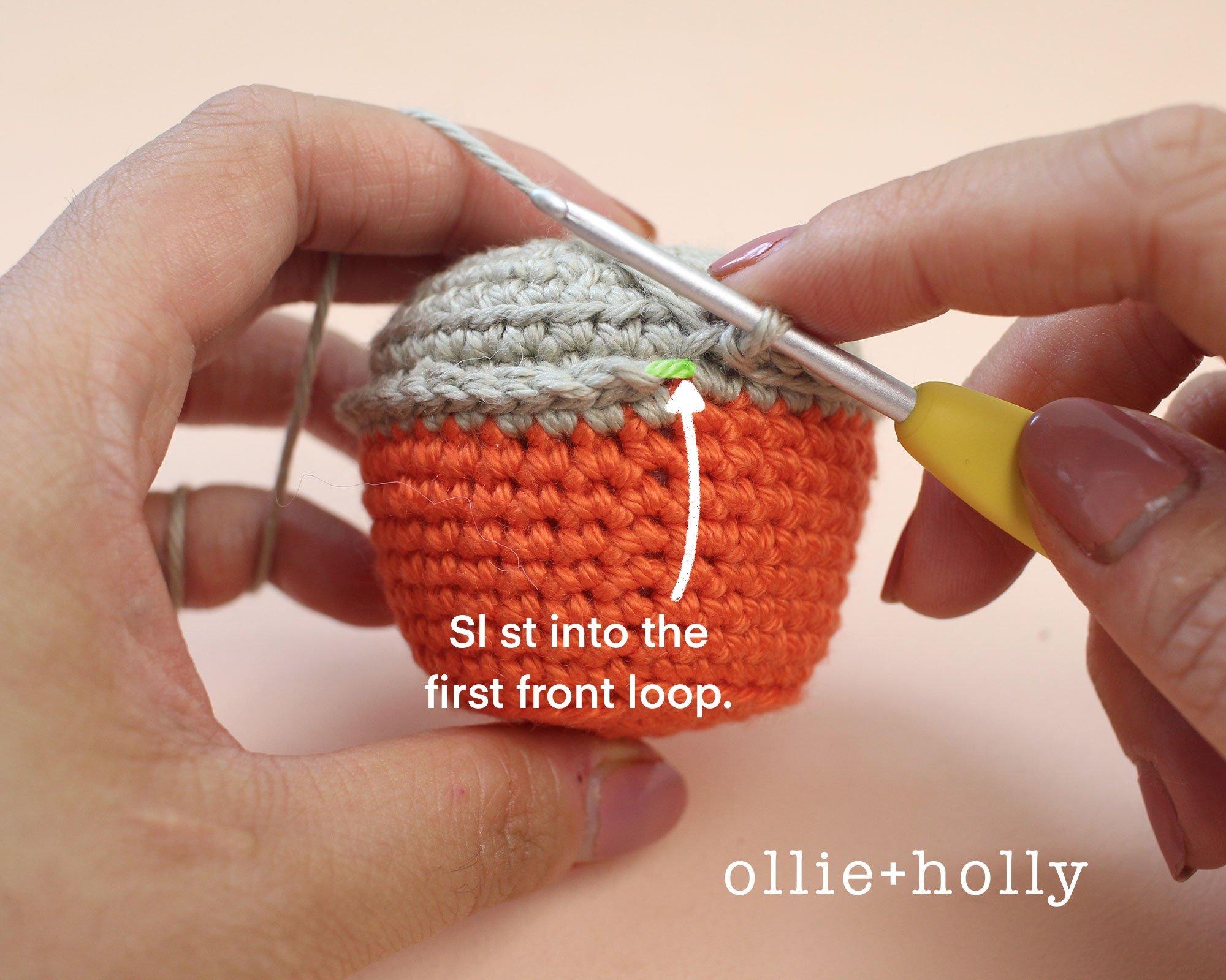Free Taiwan Tatung Rice Cooker Amigurumi Keychain/Ornament Crochet Pattern Step 2