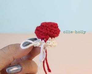 Free Vintage Camping Lantern Amigurumi Crochet Christmas Ornament Pattern Step 1