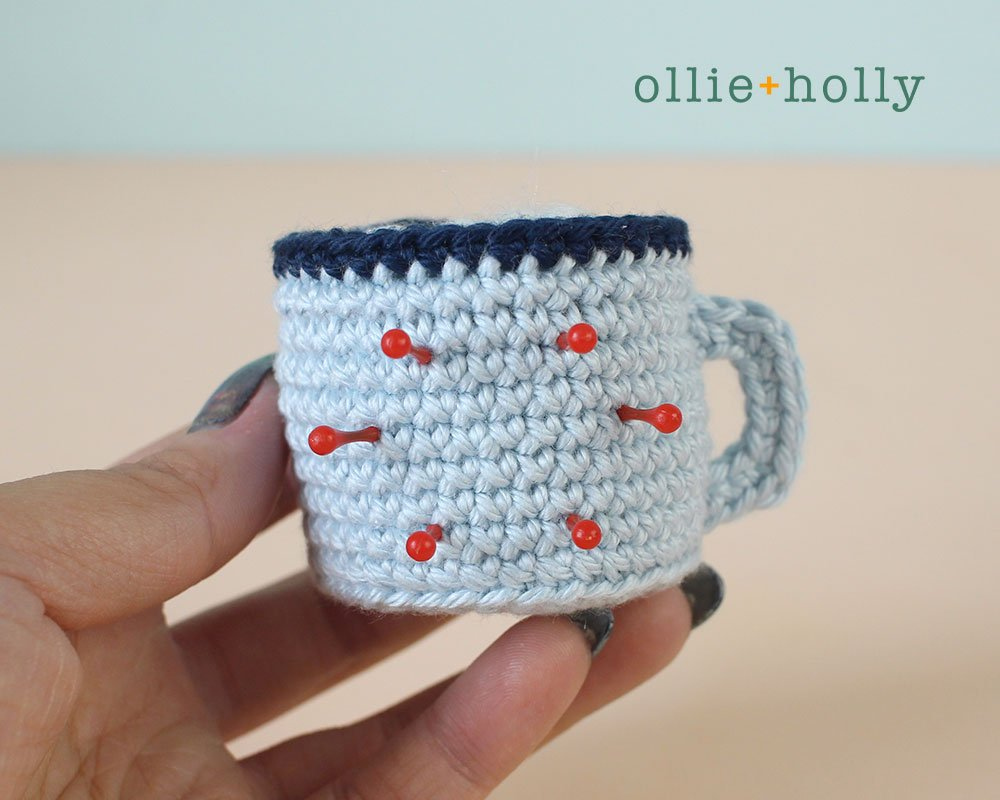 Free Hot Chocolate Cocoa Mug Amigurumi Christmas Ornament Crochet Pattern Step 22