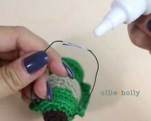 Free Vintage Camping Lantern Amigurumi Crochet Christmas Ornament Pattern Handles Step 2