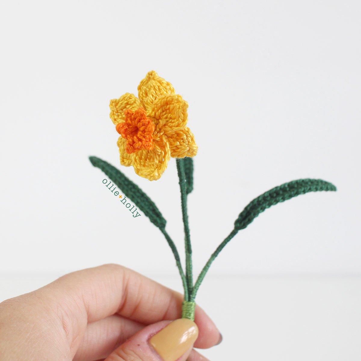 Little Daffodil Tiny Flower Crochet Pattern Side View
